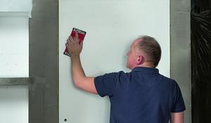KROK III - Szlifowanie powierzchni drzwi
